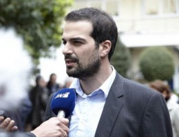 Καταγγελία Σακελλαρίδη: Συγκεκριμένα συμφέροντα δεν θέλουν ισχυρή κυβέρνηση ΣΥΡΙΖΑ