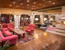 Κερδίστε ένα μοναδικό τριήμερο για την γιορτή του Αγίου Βαλεντίνου και ένα ρομαντικό δείπνο με live σαξόφωνο στο Country Hotel, στο Καρπενήσι!