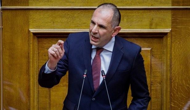Γιώργος Γεραπετρίτης στα Παραπολιτικά 90,1: «Έρχονται παρεμβάσεις που θα ελέγχουν την κινητικότητα»